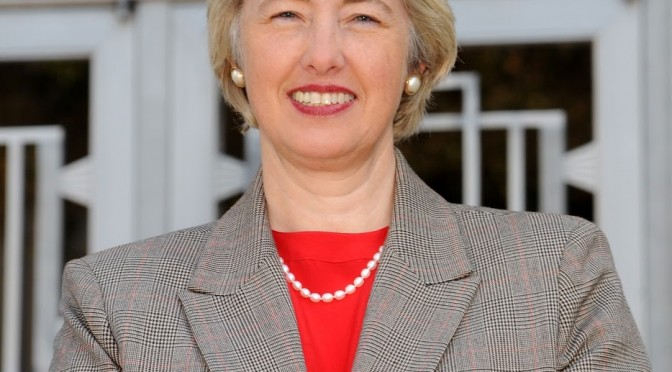 Mayor Annise Parker Takes SNAP Challenge, Addresses Food Insecurity